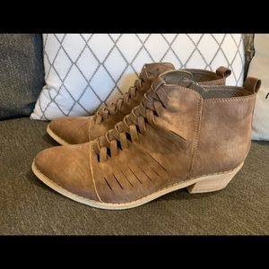 Mi. iM Braided Ankle Boots, Booties. 7.5